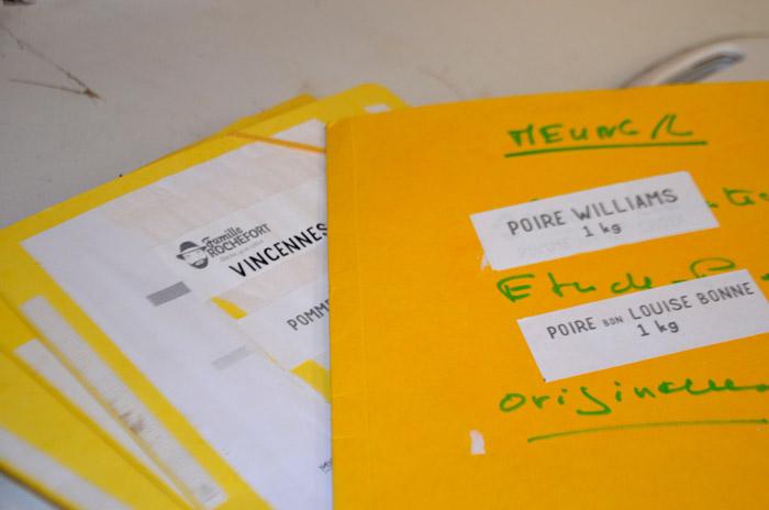 La veille, Ségo imprime les étiquettes, le bon nombre pour chaque variété, ça évite de se tromper.