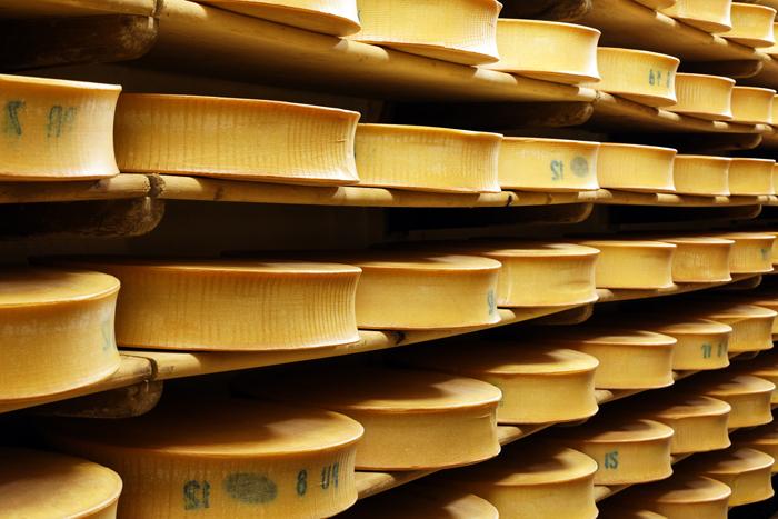 Délicat et subtil, le beaufort est sans doute le fromage le plus féminin de toute la clique.
