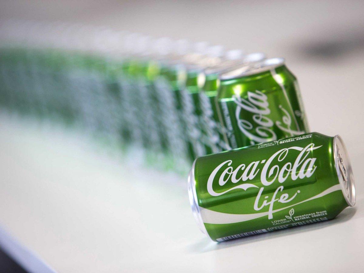 Aujourd'hui, à l'heure du Coca Life, du Fanta Still, du ketchup plaisir + Amora,  la Stévia ne peut être vendue que comme plante d'ornement au consommateur final (belle hypocrisie) ou comme matière première aux professionnels pour fabriquer la substance qui en est extraite.