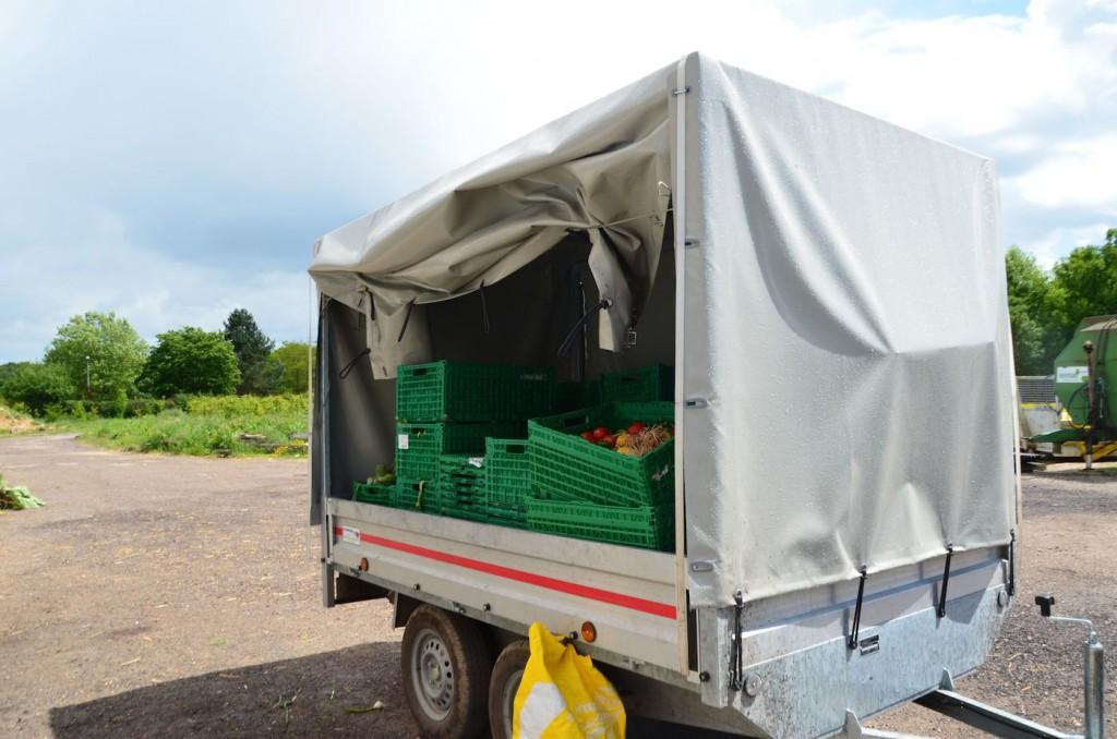 Leclerc a acheté deux camionnettes comme celle-ci pour récupérer chaque jour les invendus.