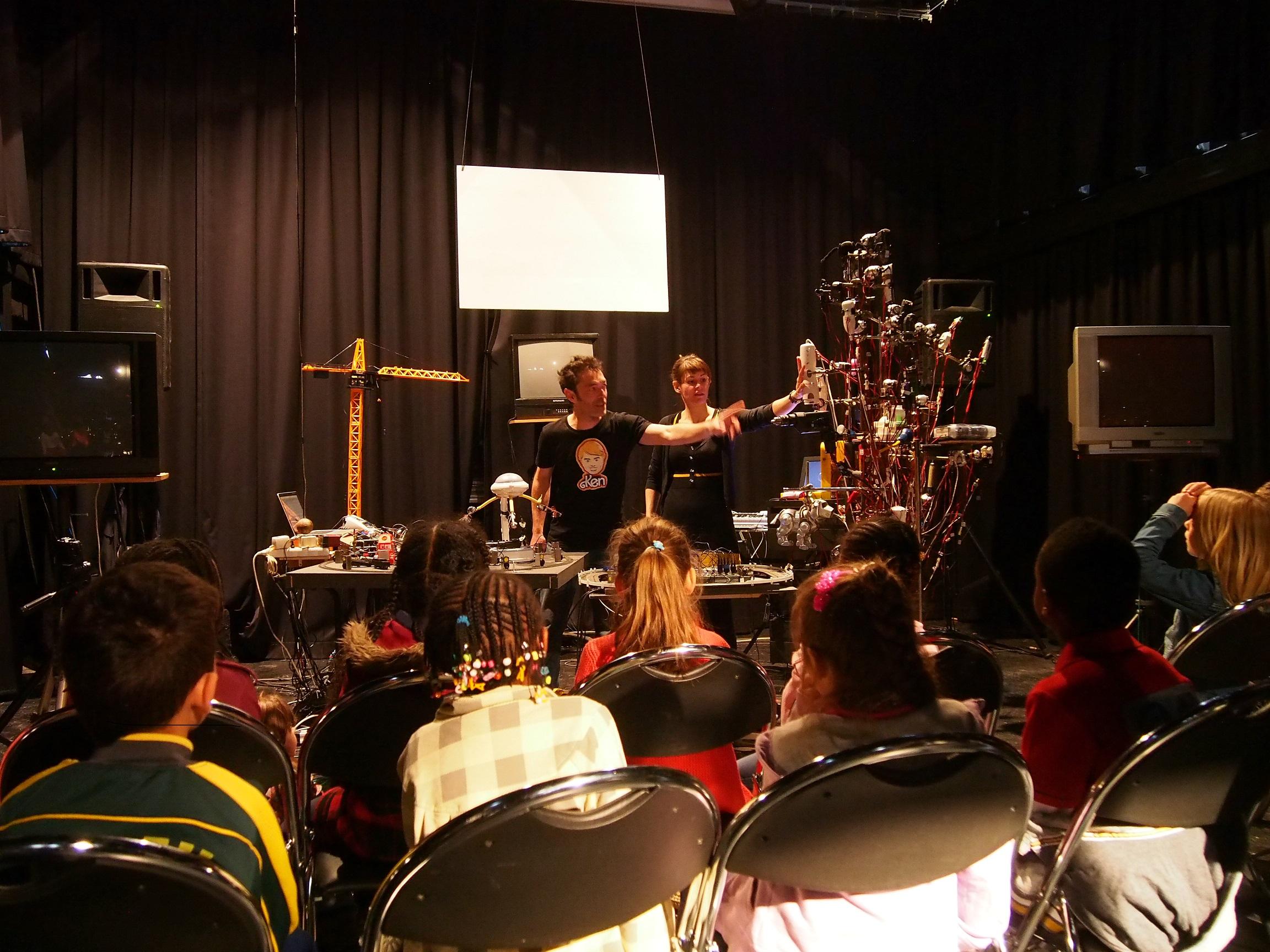 Les concerts sont toujours l'occasion de faire de la pédagogie. Pour les enfants, et pour les adultes.