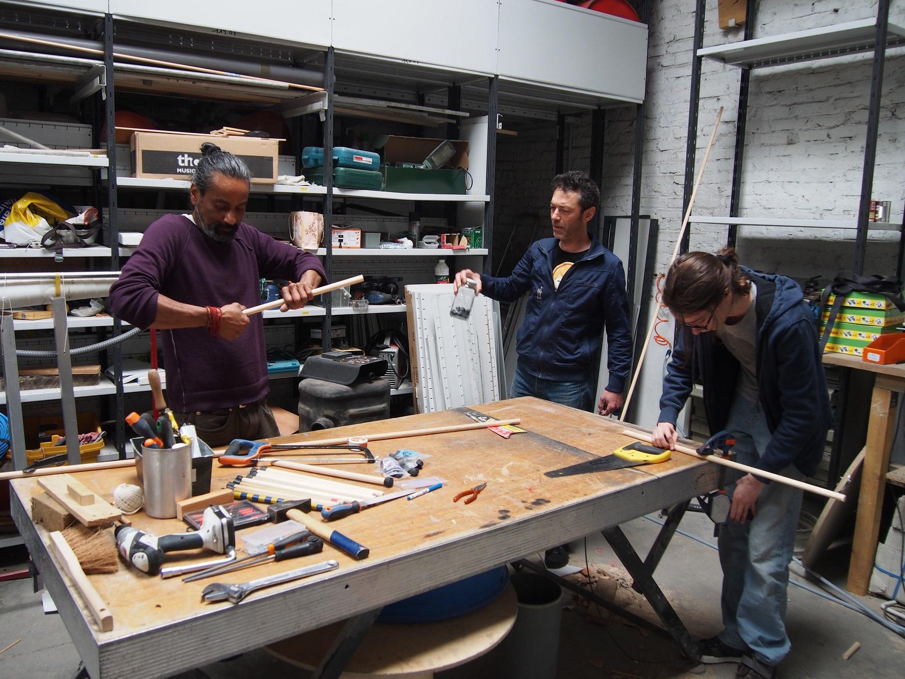 Dans l'atelier, de nouveaux instruments sont inventés en permanence.