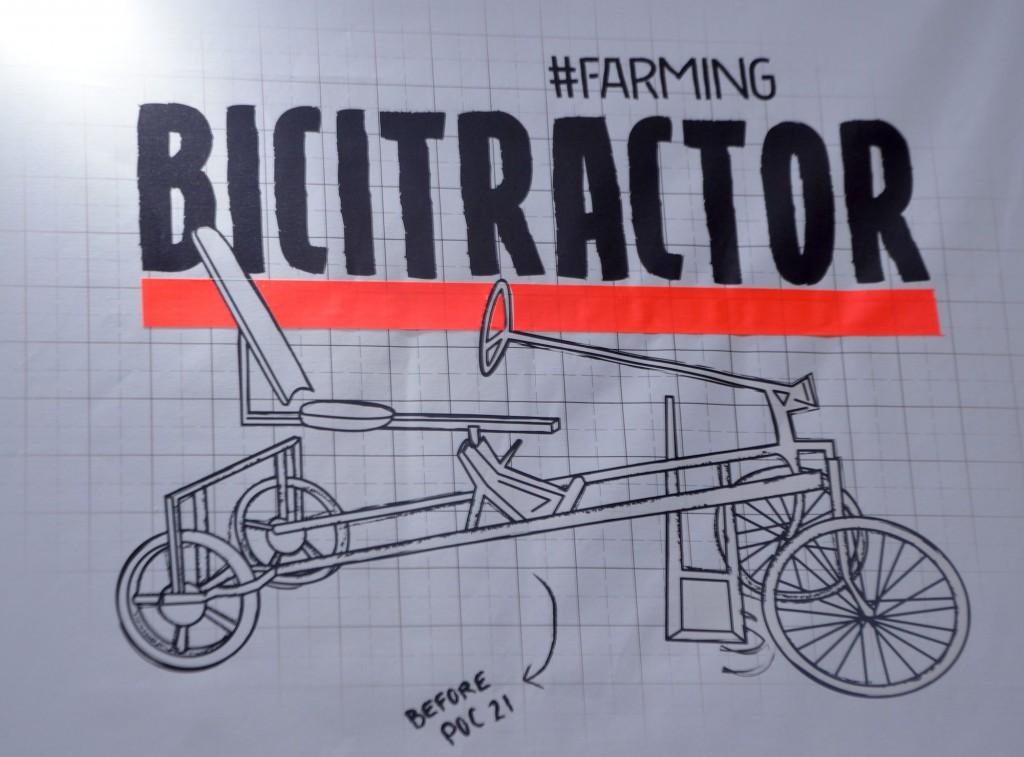 Ca c'était le tracteur avant la POC#21. Son homologue américain lui ressemble assez : http://farmhack.net/tools/culticycle
