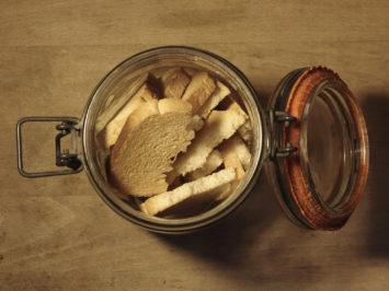 Open rusk jar