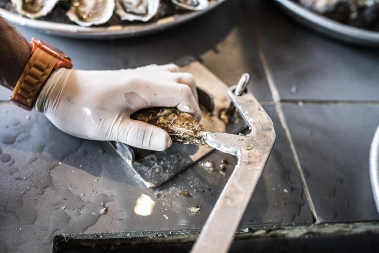 Avec plus de 150 000 tonnes d'huîtres produites et plus de 100 000 tonnes consommées par an (soit plus d'1,75 kilo par personne), les Français sont les plus grands consommateurs d'huîtres au monde. ©Olivier Cochard